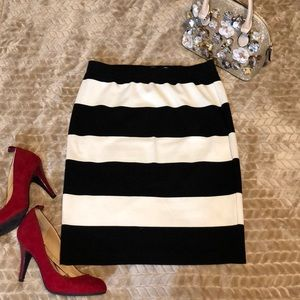 Striped, fitted skirt